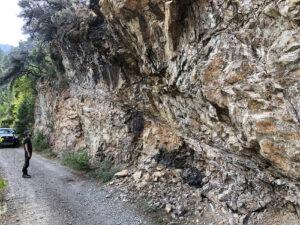 02-Road-cut-along-freeman-creek-potential-shear